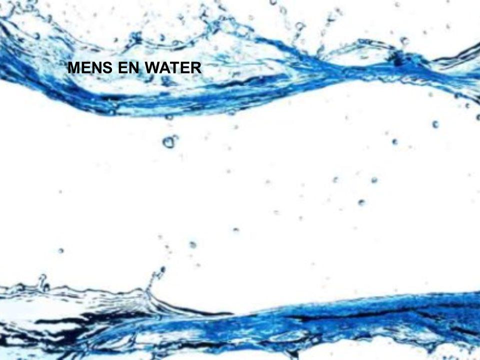 MENS EN WATER