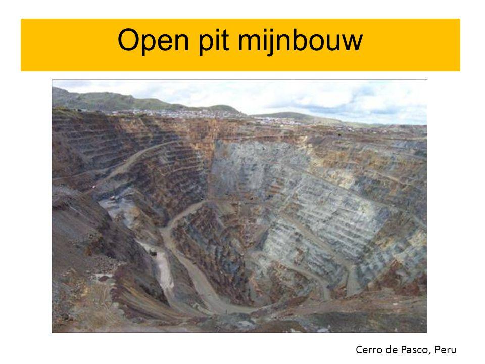 Open pit mijnbouw Open pit mijnbouw Cerro de Pasco, Peru 09/07/12