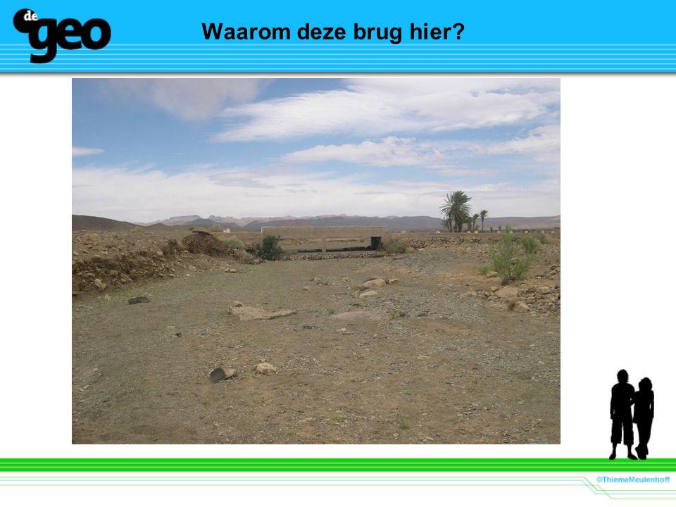 Waarom deze brug hier Beeld: K.P. van Wijk