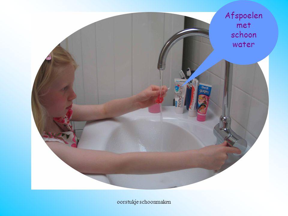 Afspoelen met schoon water