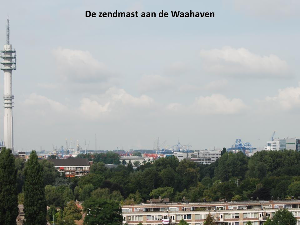 De zendmast aan de Waahaven