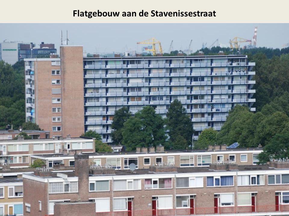 Flatgebouw aan de Stavenissestraat