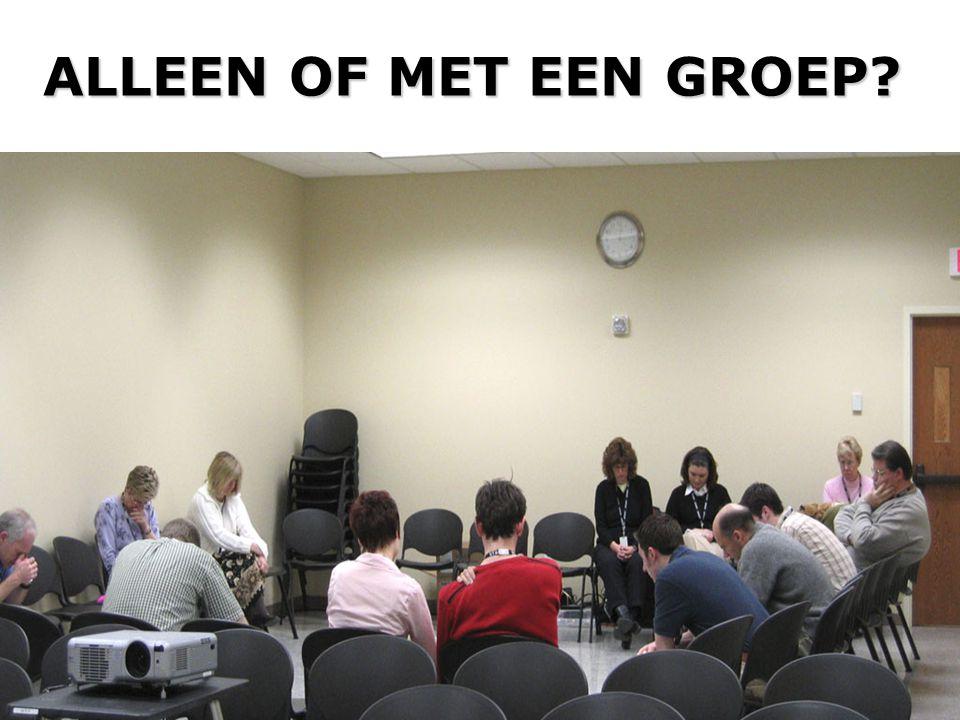 ALLEEN OF MET EEN GROEP