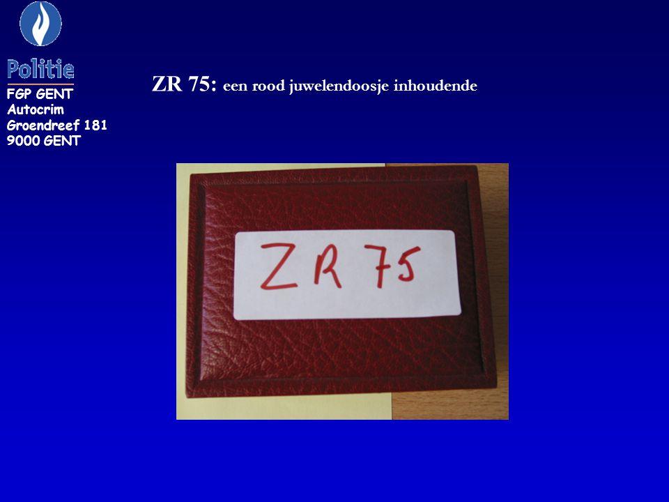 ZR 75: een rood juwelendoosje inhoudende