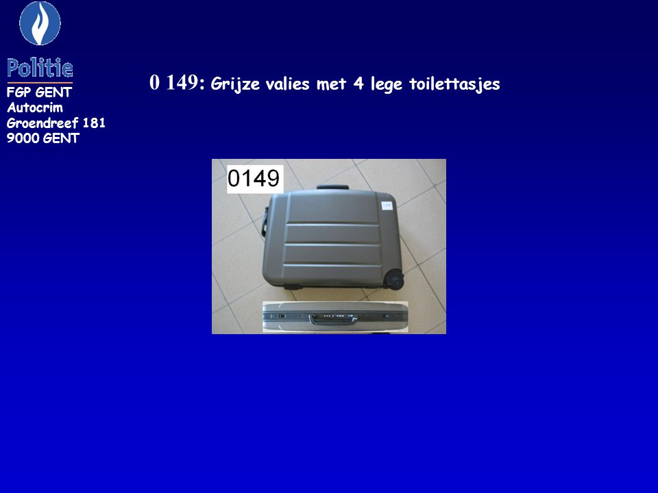 0 149: Grijze valies met 4 lege toilettasjes