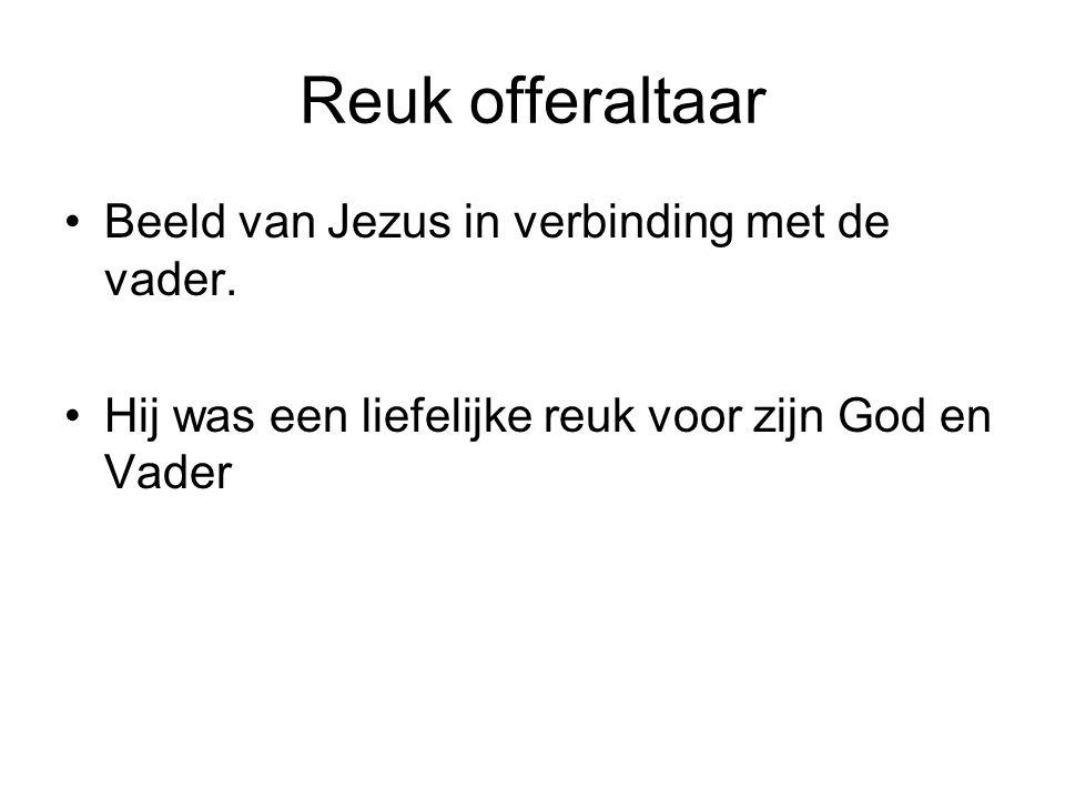 Reuk offeraltaar Beeld van Jezus in verbinding met de vader.