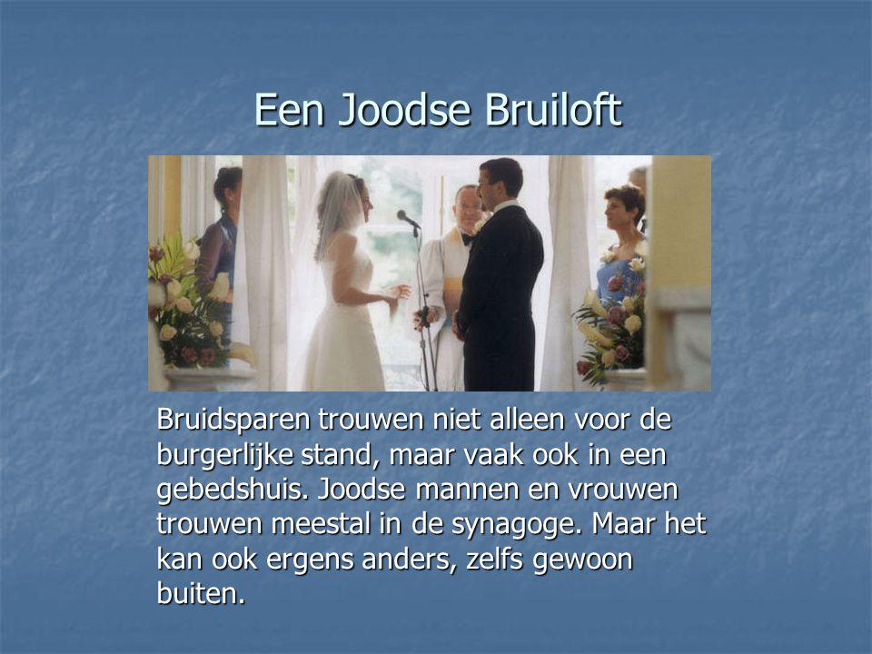 Een Joodse Bruiloft Bruidsparen trouwen niet alleen voor de