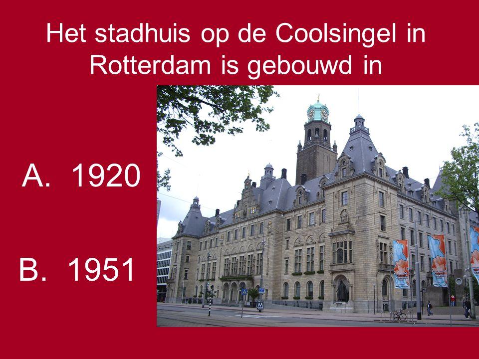 Het stadhuis op de Coolsingel in Rotterdam is gebouwd in