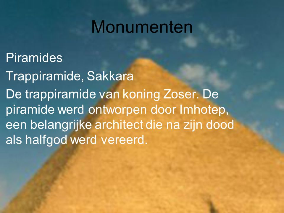 Monumenten Piramides Trappiramide, Sakkara