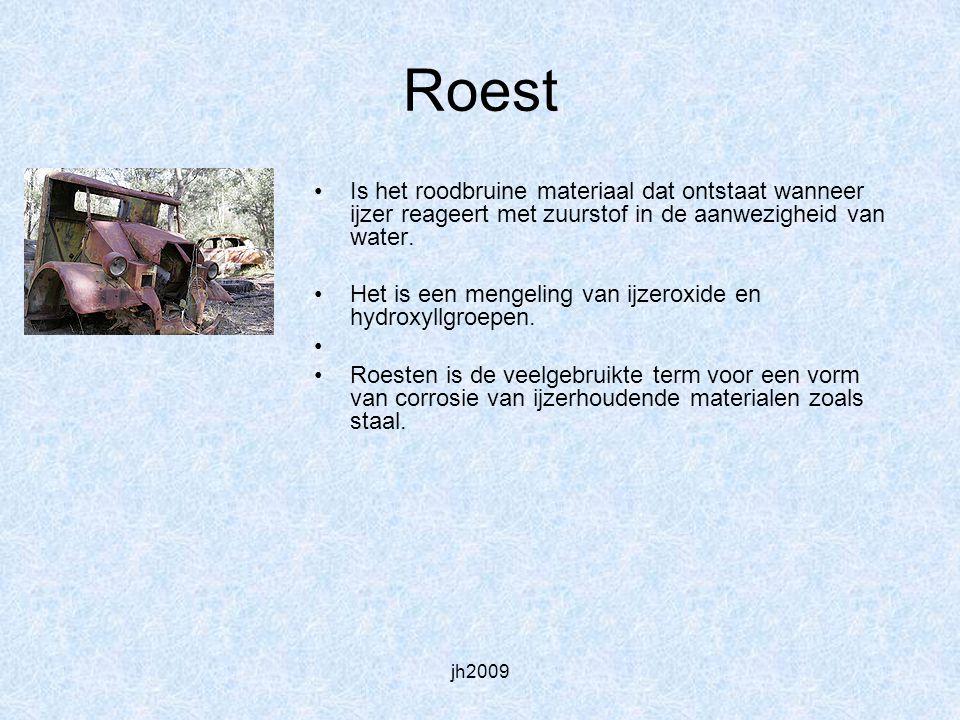 Roest Is het roodbruine materiaal dat ontstaat wanneer ijzer reageert met zuurstof in de aanwezigheid van water.