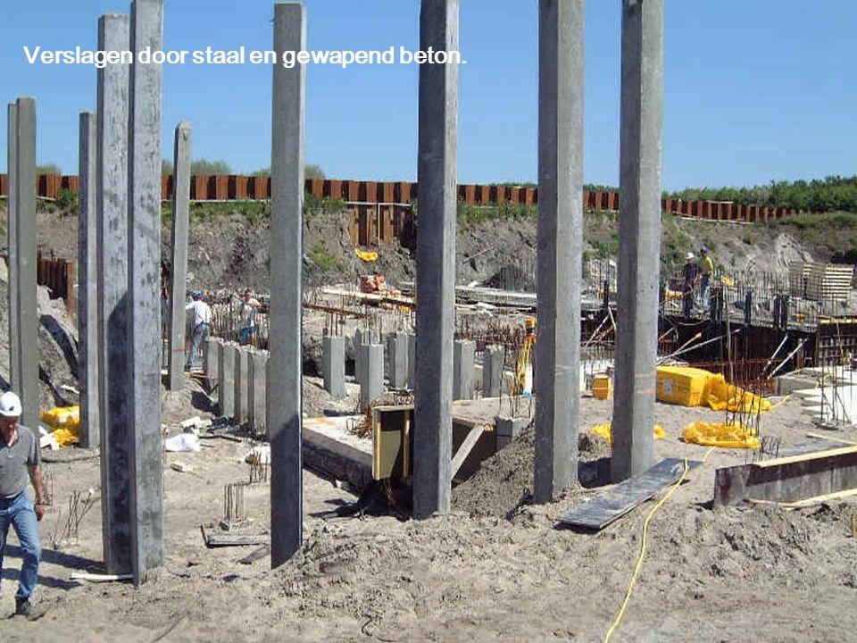 Verslagen door staal en gewapend beton.