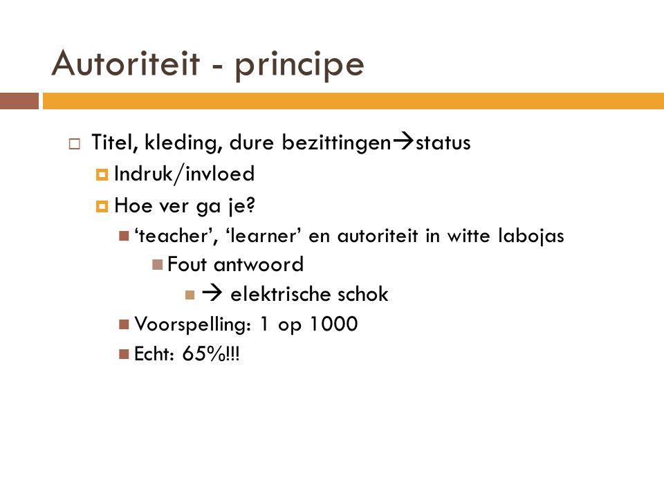 Autoriteit - principe Titel, kleding, dure bezittingenstatus