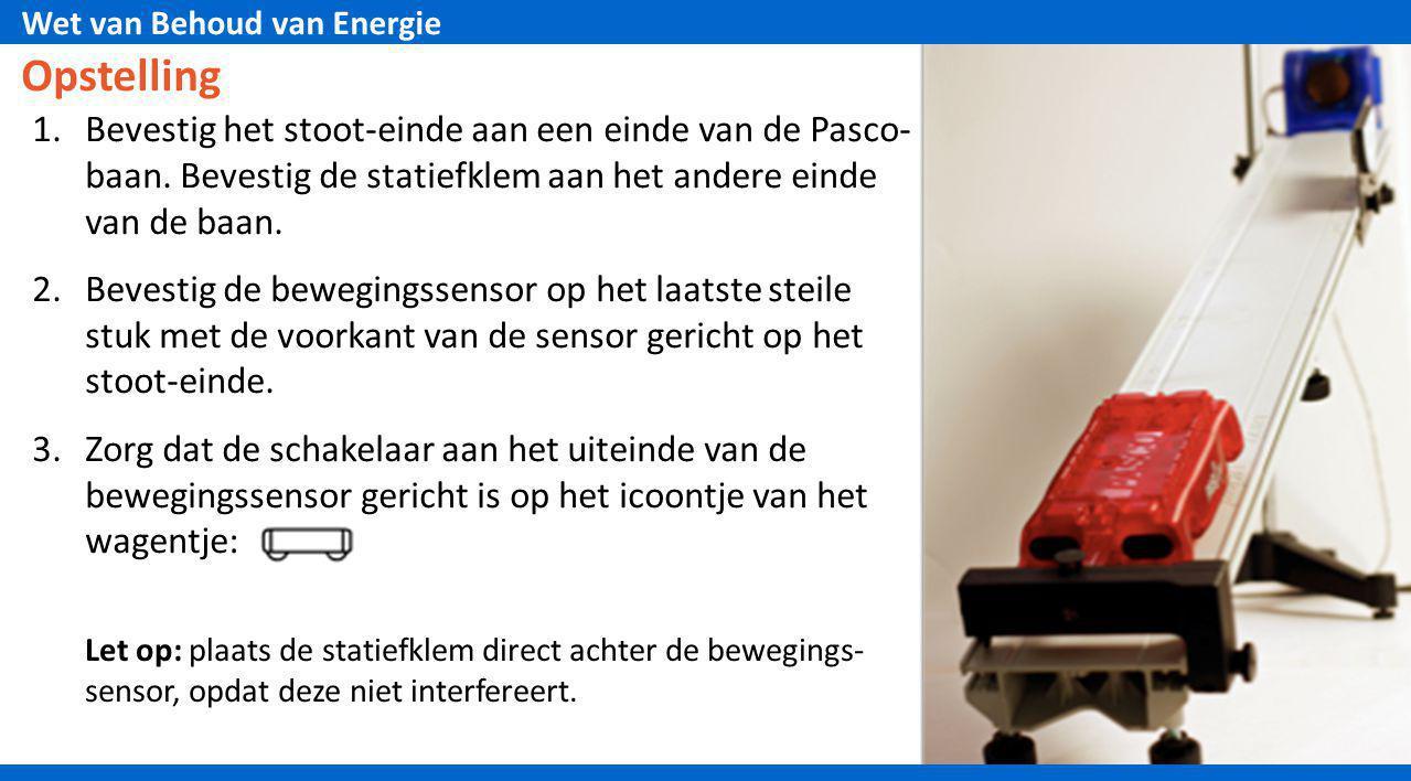 Opstelling Bevestig het stoot-einde aan een einde van de Pasco- baan. Bevestig de statiefklem aan het andere einde van de baan.