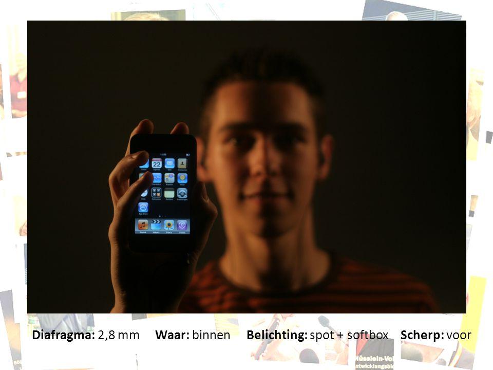 Diafragma: 2,8 mm Waar: binnen Belichting: spot + softbox Scherp: voor