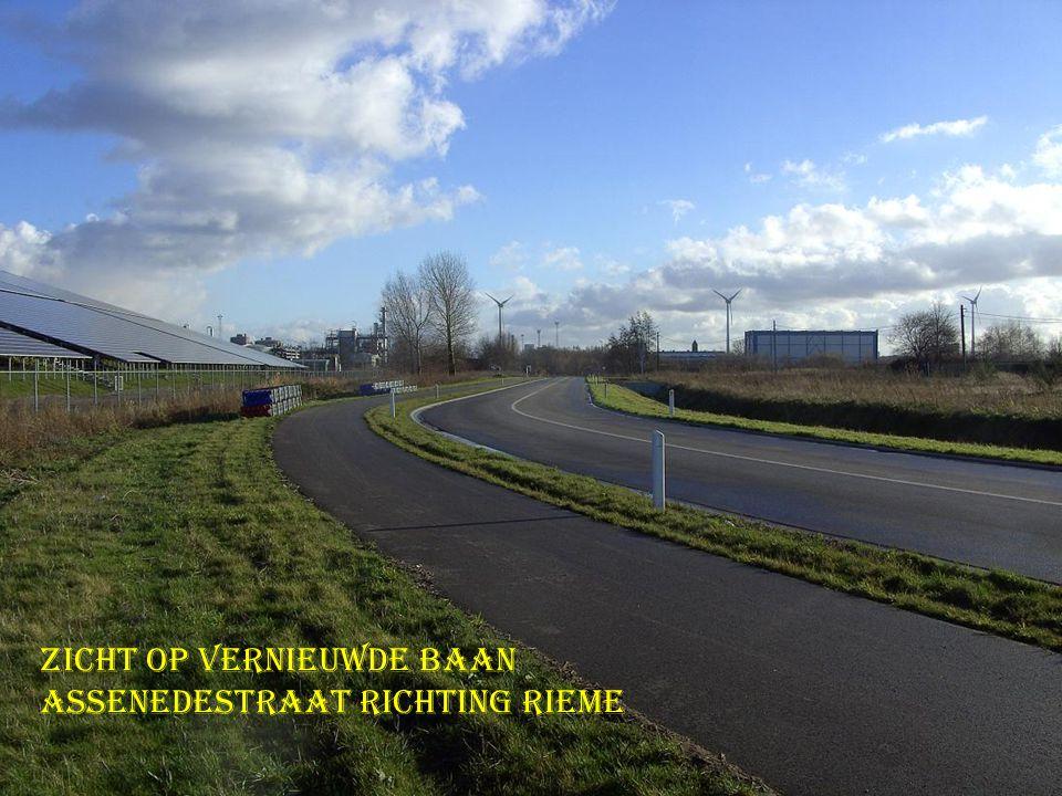 Zicht op vernieuwde baan Assenedestraat richting Rieme
