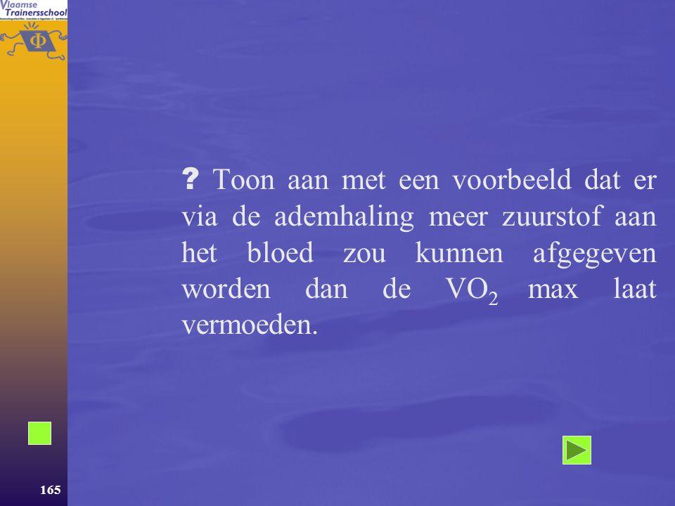 Toon aan met een voorbeeld dat er via de ademhaling meer zuurstof aan het bloed zou kunnen afgegeven worden dan de VO2 max laat vermoeden.