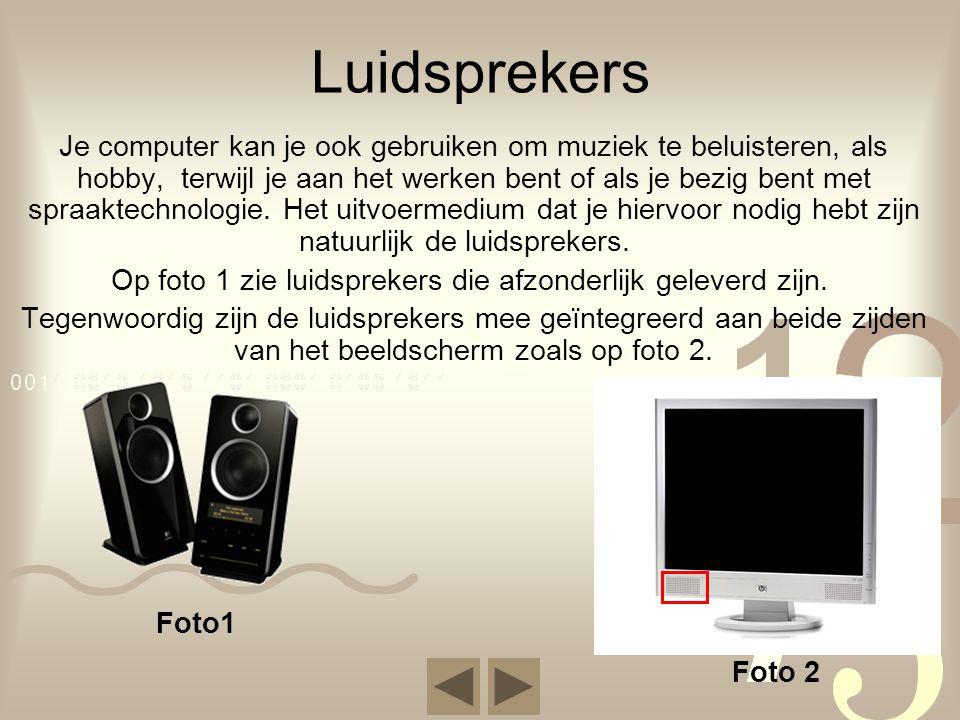 Op foto 1 zie luidsprekers die afzonderlijk geleverd zijn.