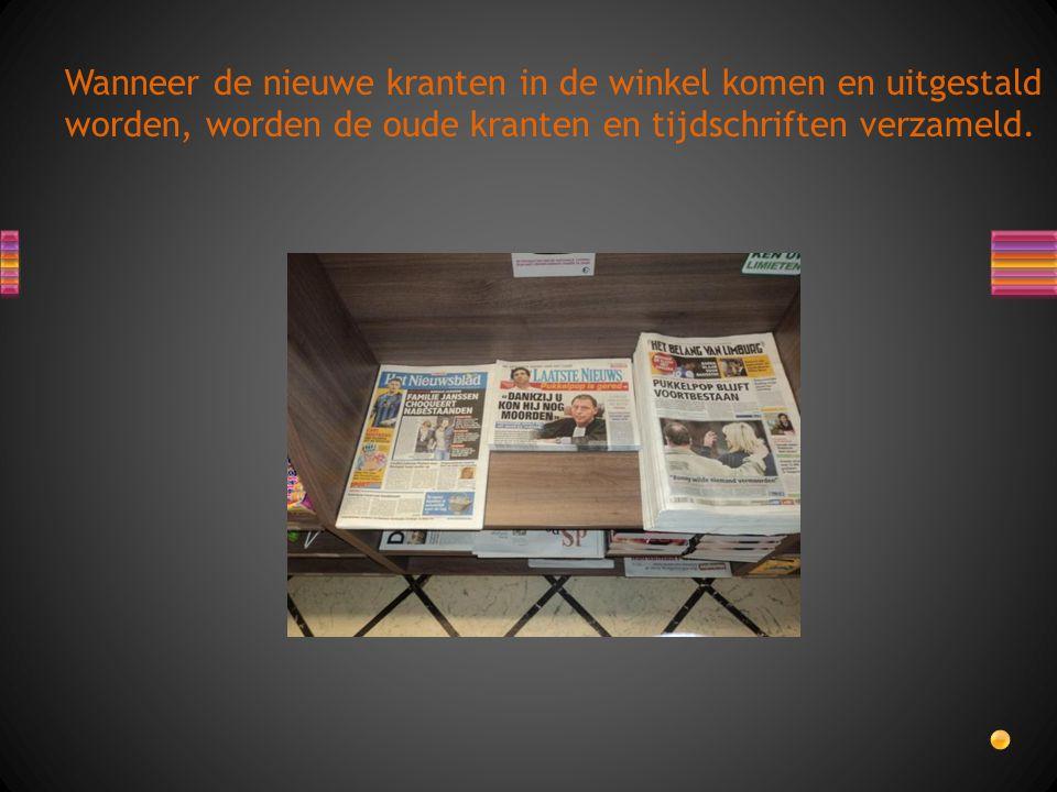Wanneer de nieuwe kranten in de winkel komen en uitgestald worden, worden de oude kranten en tijdschriften verzameld.