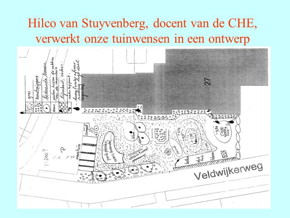 Hilco van Stuyvenberg, docent van de CHE, verwerkt onze tuinwensen in een ontwerp
