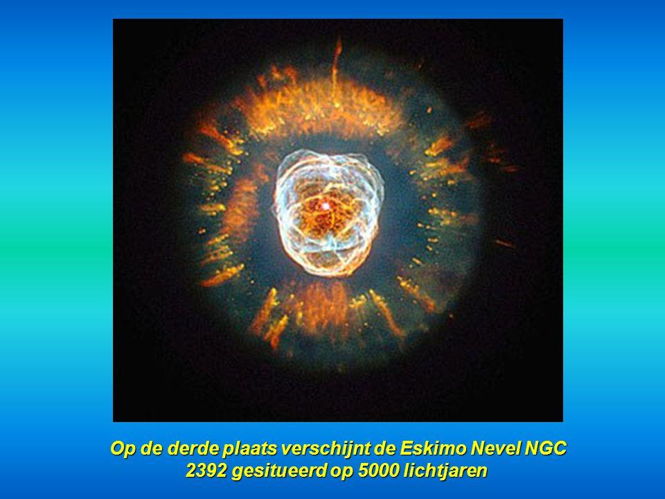 Op de derde plaats verschijnt de Eskimo Nevel NGC 2392 gesitueerd op 5000 lichtjaren