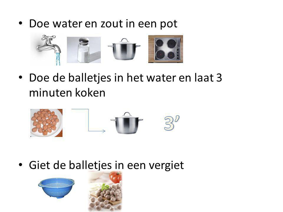 3' Doe water en zout in een pot