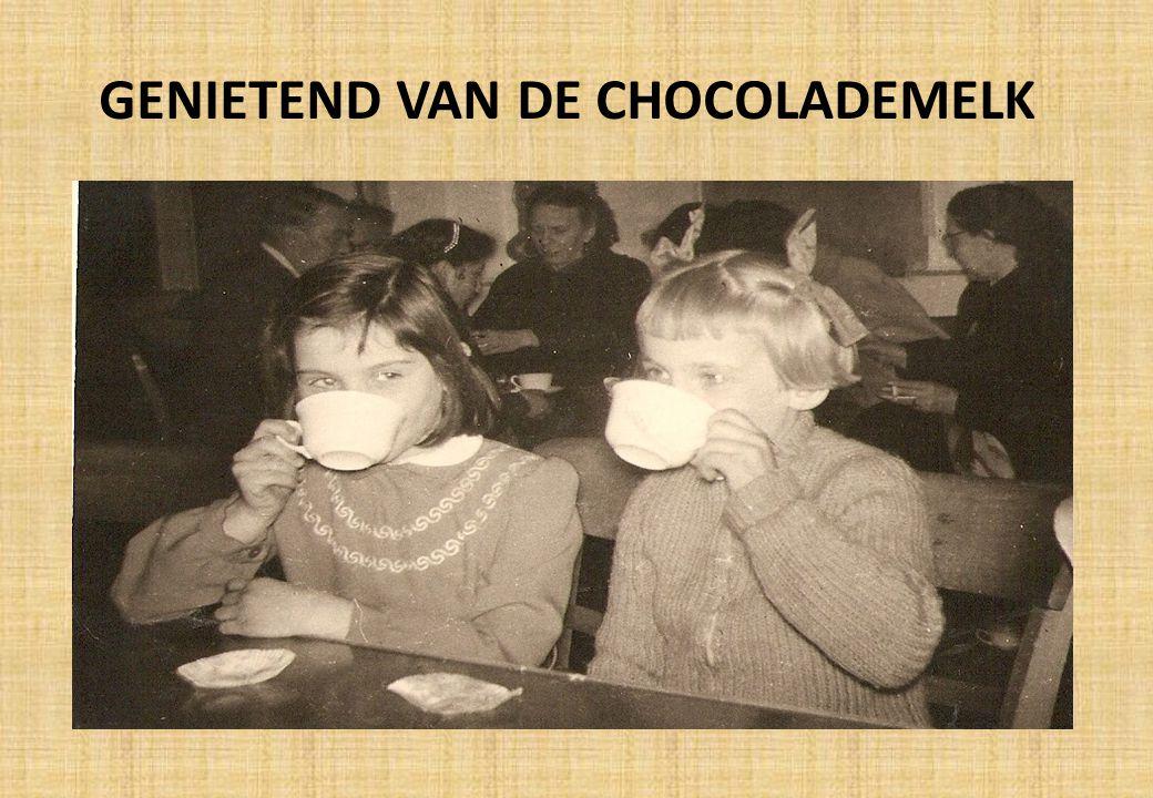 GENIETEND VAN DE CHOCOLADEMELK