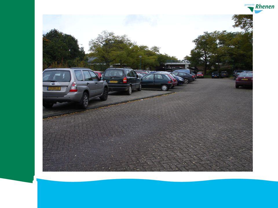 Foto parkeerdrukte station