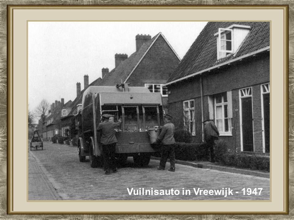 Vuilnisauto in Vreewijk - 1947