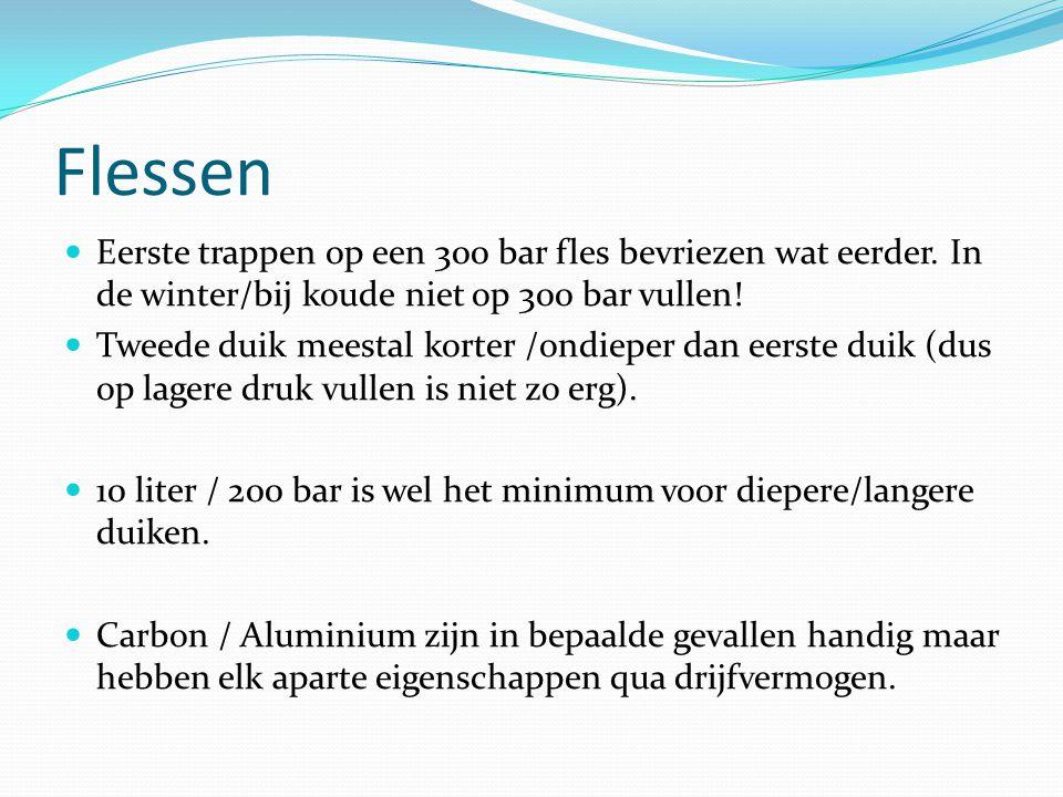 Flessen Eerste trappen op een 300 bar fles bevriezen wat eerder. In de winter/bij koude niet op 300 bar vullen!