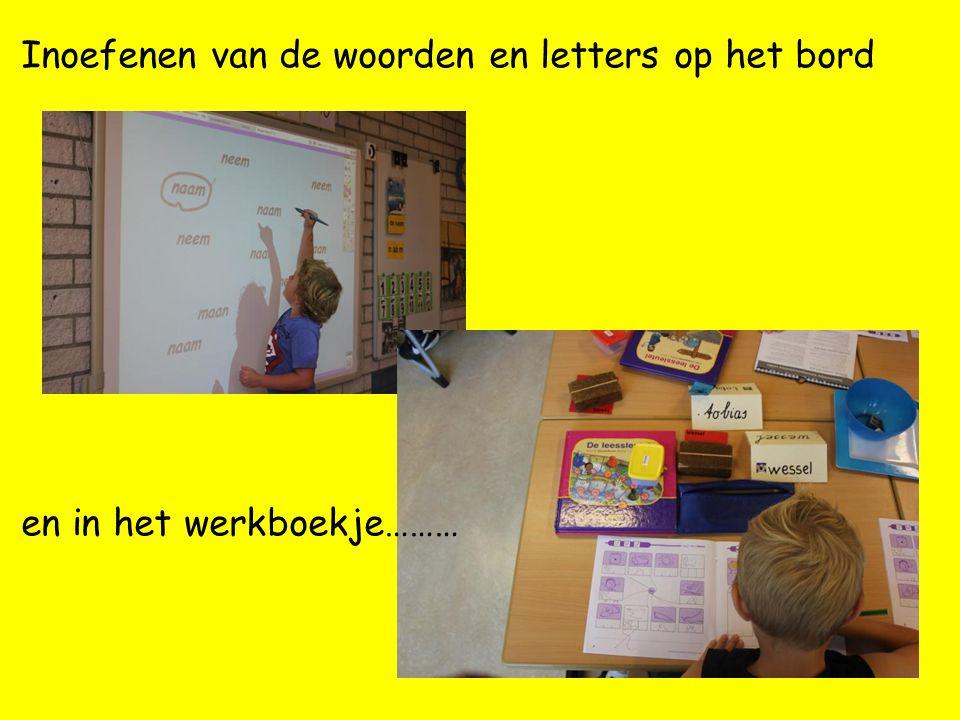 Inoefenen van de woorden en letters op het bord
