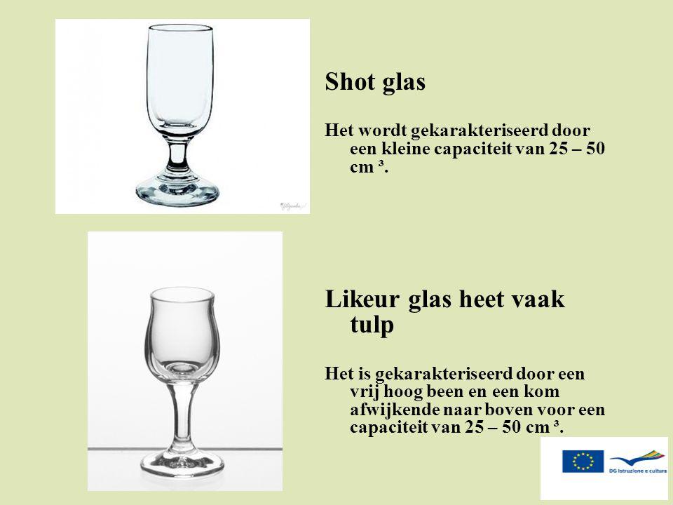 Likeur glas heet vaak tulp
