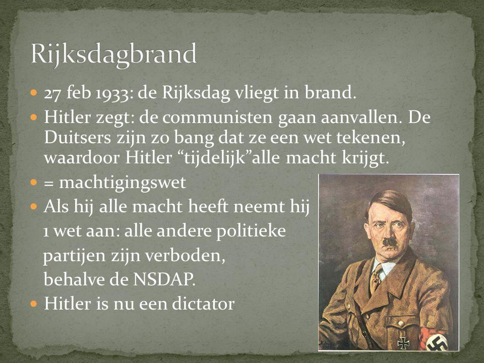 Rijksdagbrand 27 feb 1933: de Rijksdag vliegt in brand.