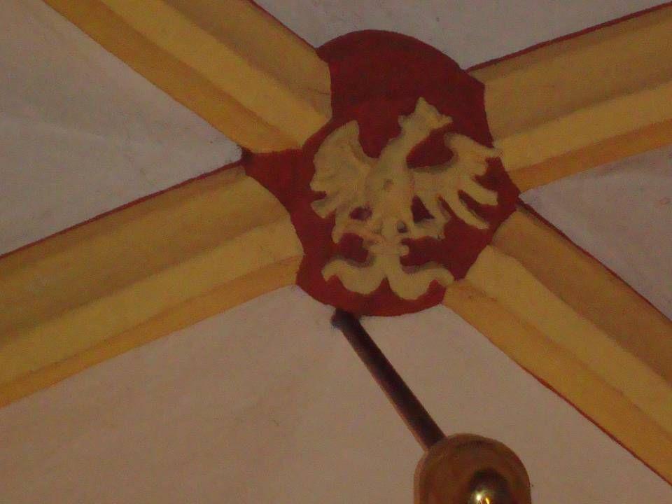 Adelaar, symbool van Johannes In de christelijke iconografie is een arend het symbool van de apostel Johannes, die de Adelaar van Patmos wordt genoemd.