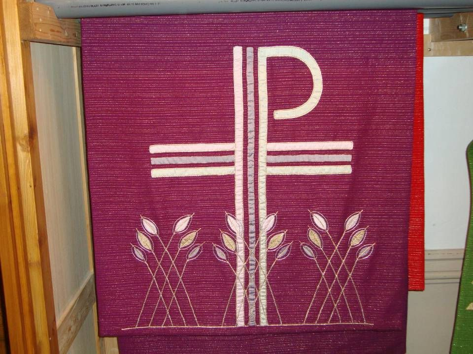 Xp = Chi Rho, de eerste twee letters van Christus = Xpistos, korenaren