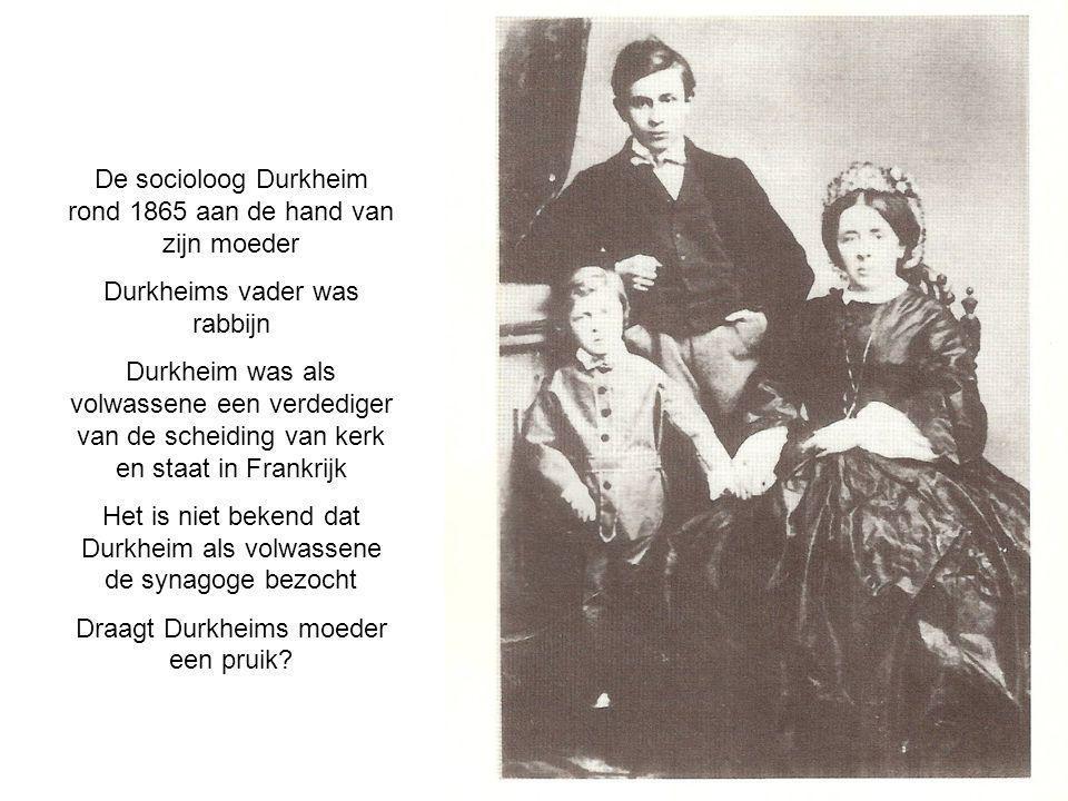 De socioloog Durkheim rond 1865 aan de hand van zijn moeder