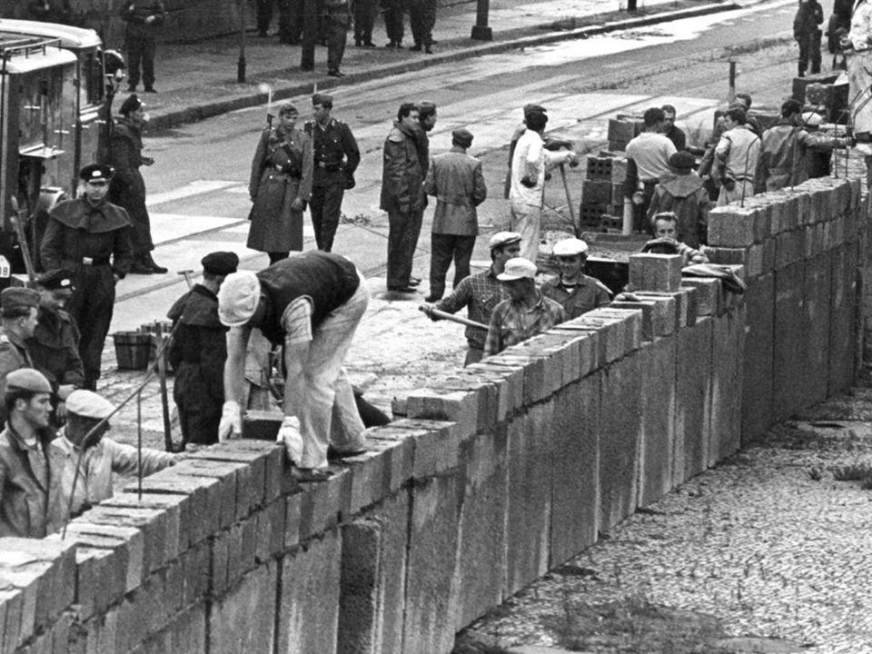 Berliner mauer Vluchten Oost  West 13/08/1961 Grenzen sluiten