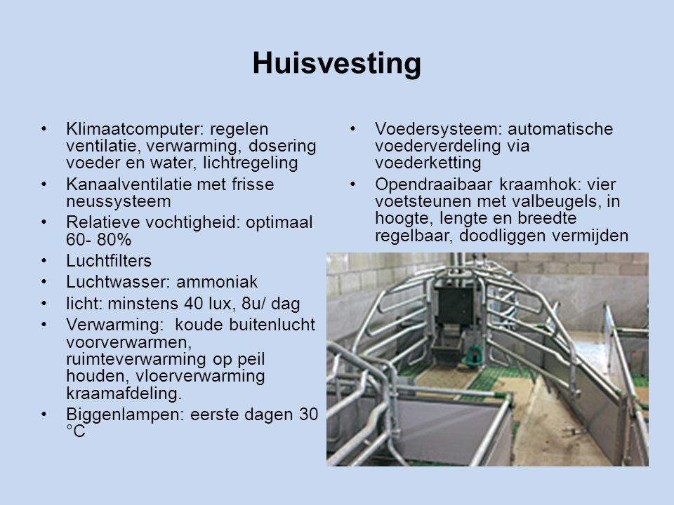 Huisvesting Klimaatcomputer: regelen ventilatie, verwarming, dosering voeder en water, lichtregeling.