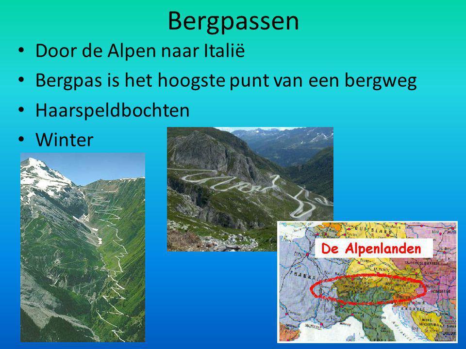 Bergpassen Door de Alpen naar Italië