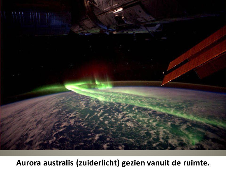 Aurora australis (zuiderlicht) gezien vanuit de ruimte.