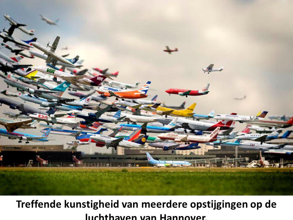 Treffende kunstigheid van meerdere opstijgingen op de luchthaven van Hannover.