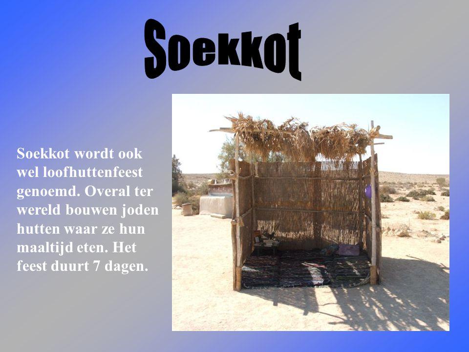 Soekkot Soekkot wordt ook wel loofhuttenfeest genoemd.