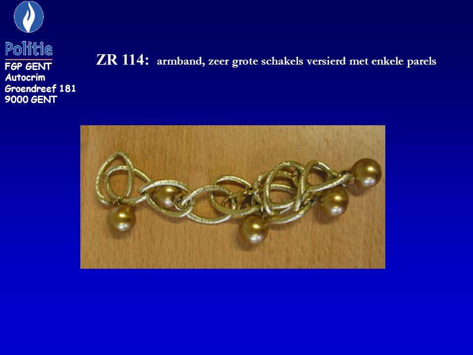 ZR 114: armband, zeer grote schakels versierd met enkele parels