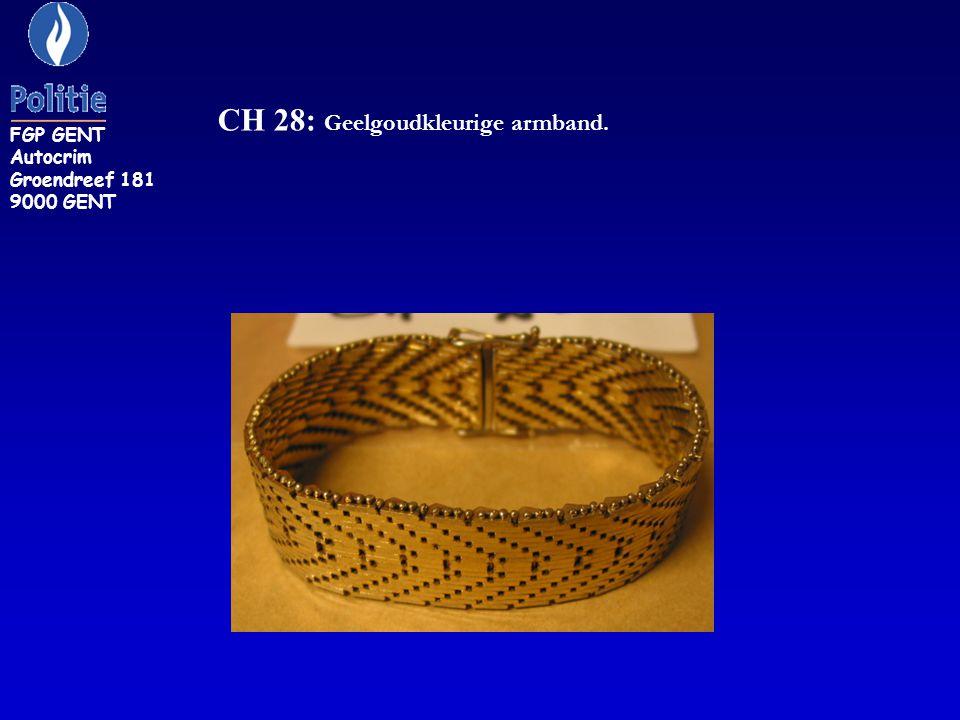 CH 28: Geelgoudkleurige armband.