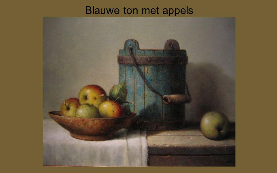 Blauwe ton met appels