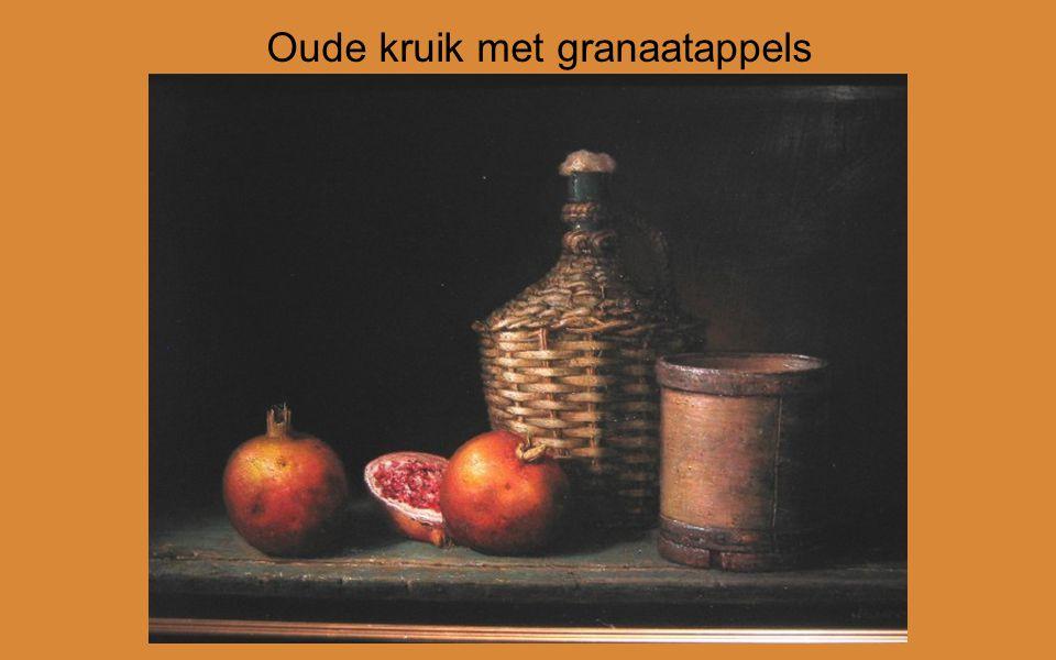 Oude kruik met granaatappels