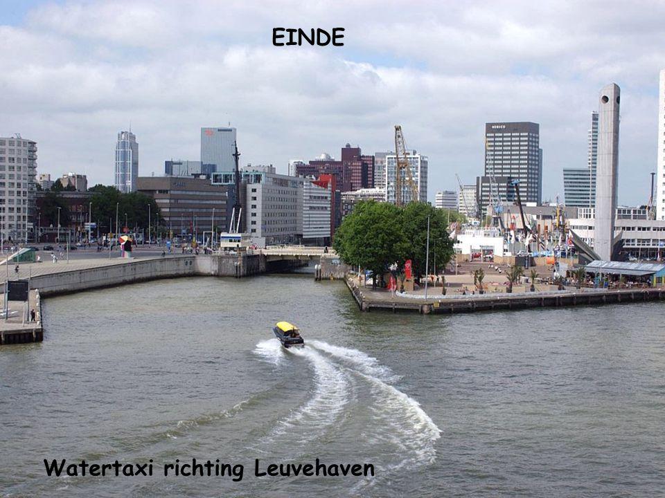 EINDE Watertaxi richting Leuvehaven