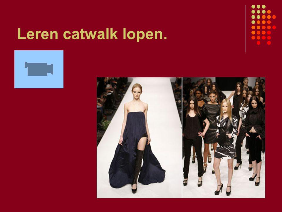Leren catwalk lopen.