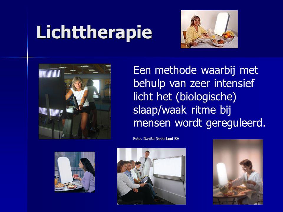 Lichttherapie Een methode waarbij met behulp van zeer intensief licht het (biologische) slaap/waak ritme bij mensen wordt gereguleerd.