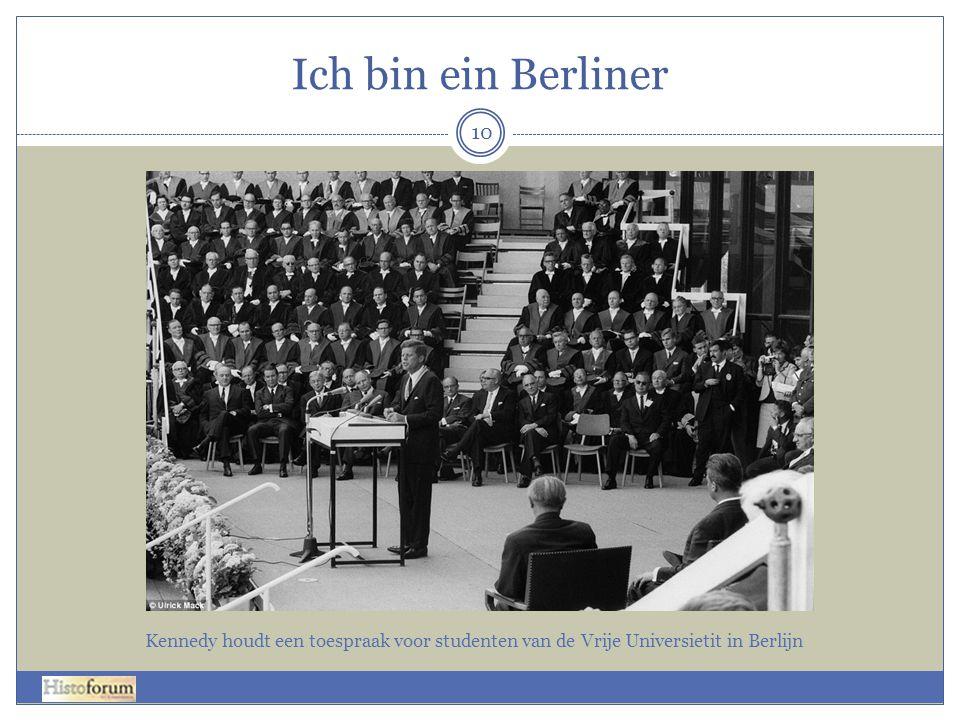 Ich bin ein Berliner Kennedy houdt een toespraak voor studenten van de Vrije Universietit in Berlijn.