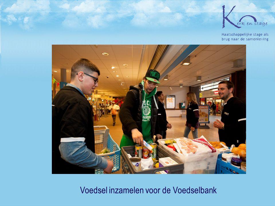 Voedsel inzamelen voor de Voedselbank